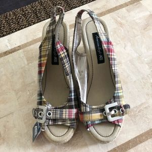 American Eagle wedges NWT with silver buckle
